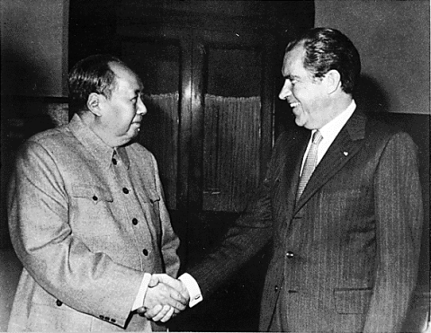 Richard Nixon meets with Mao Zedong