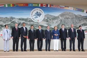 Dmitry_Medvedev_at_the_G8_Summit_-_8_July_2009-9